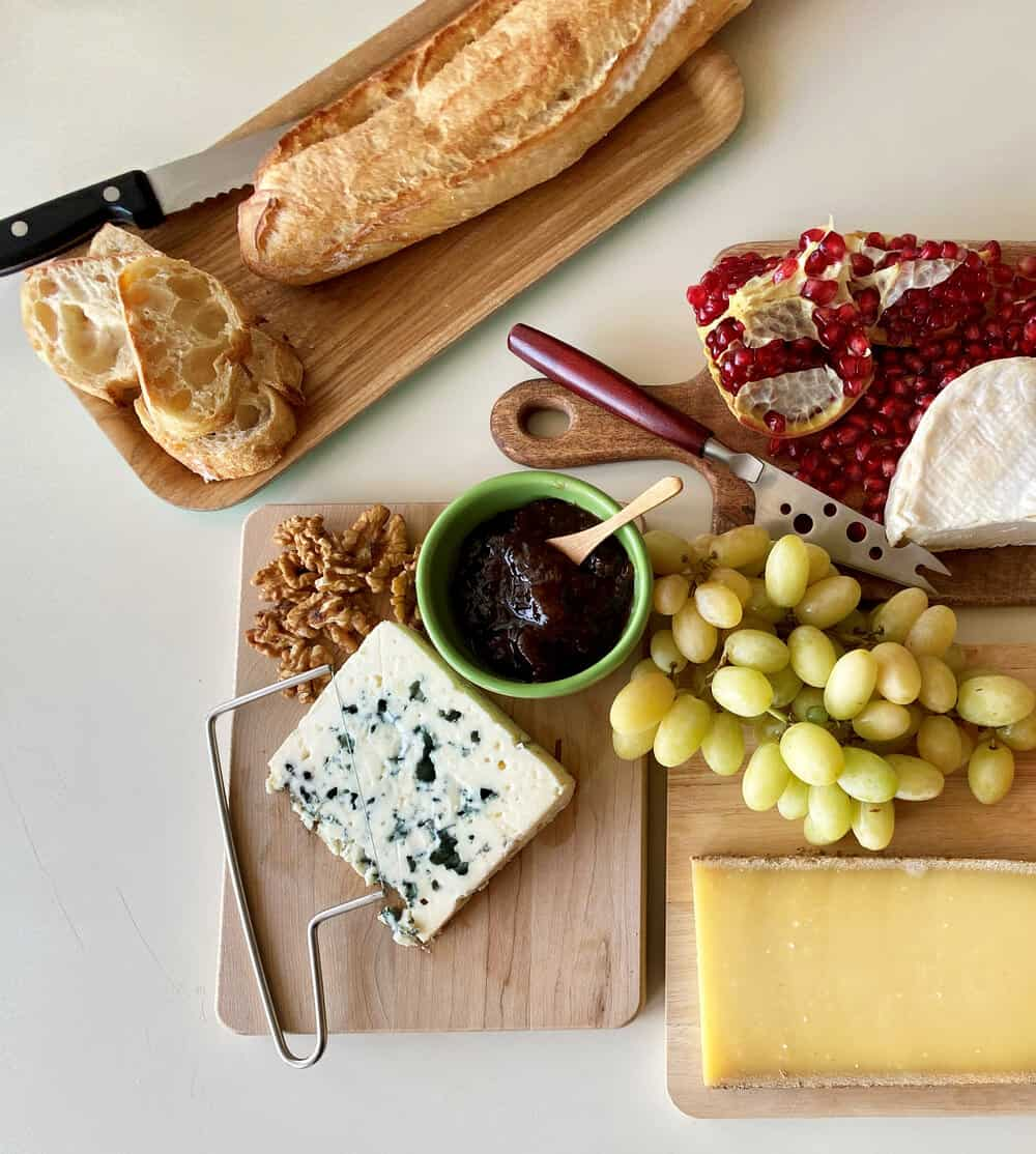 How to Build a French Cheese Board