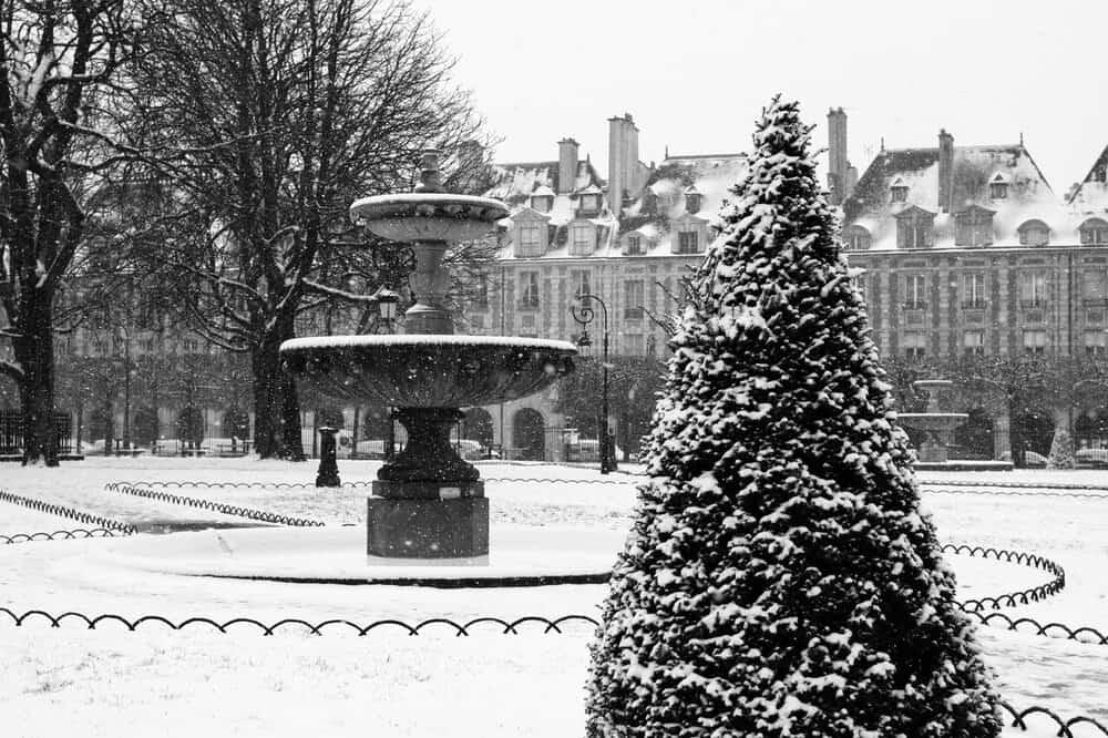 Shop Place des Vosges in the Snow here