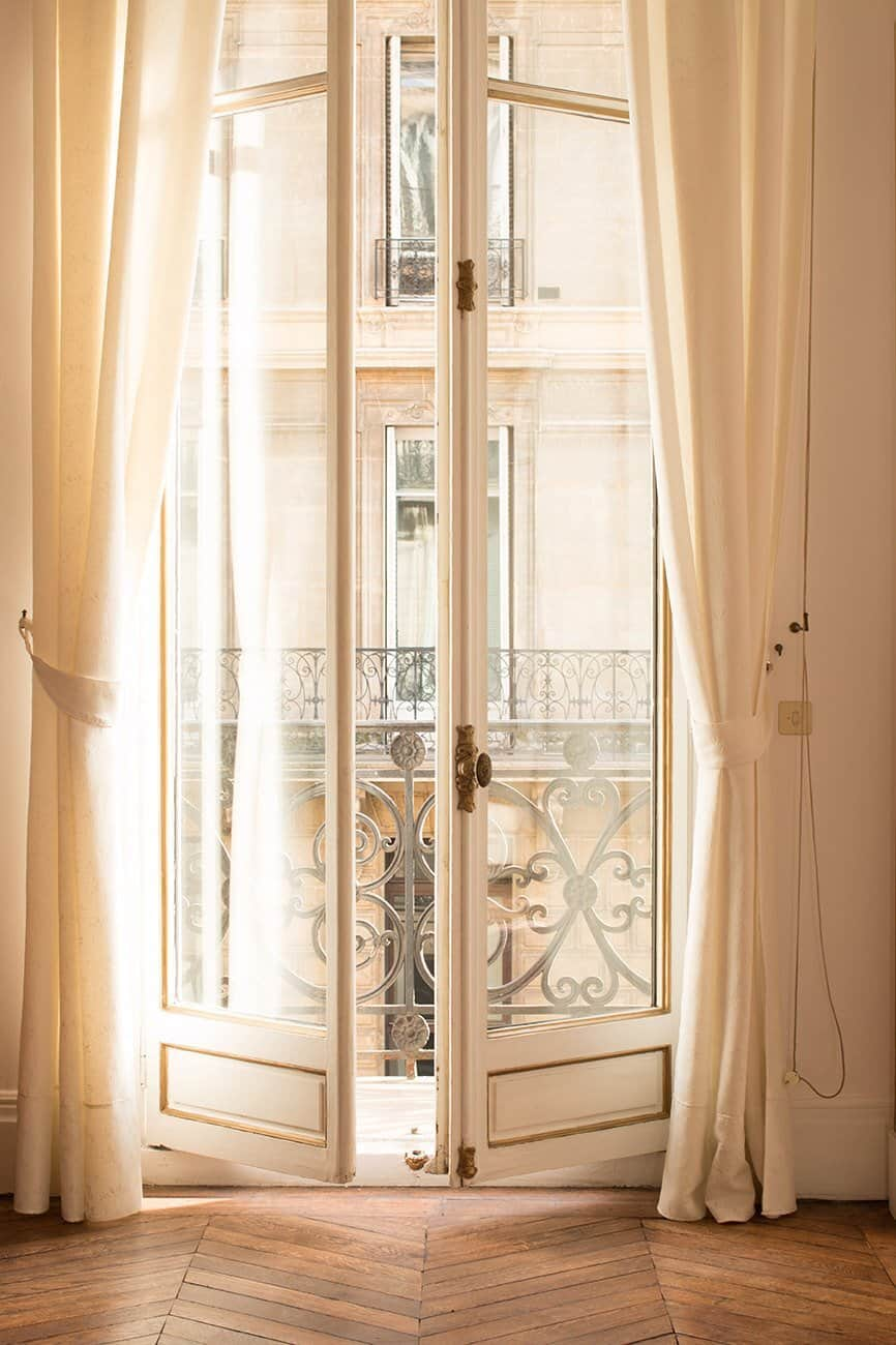 paris apartment afternoon light rebecca plotnick