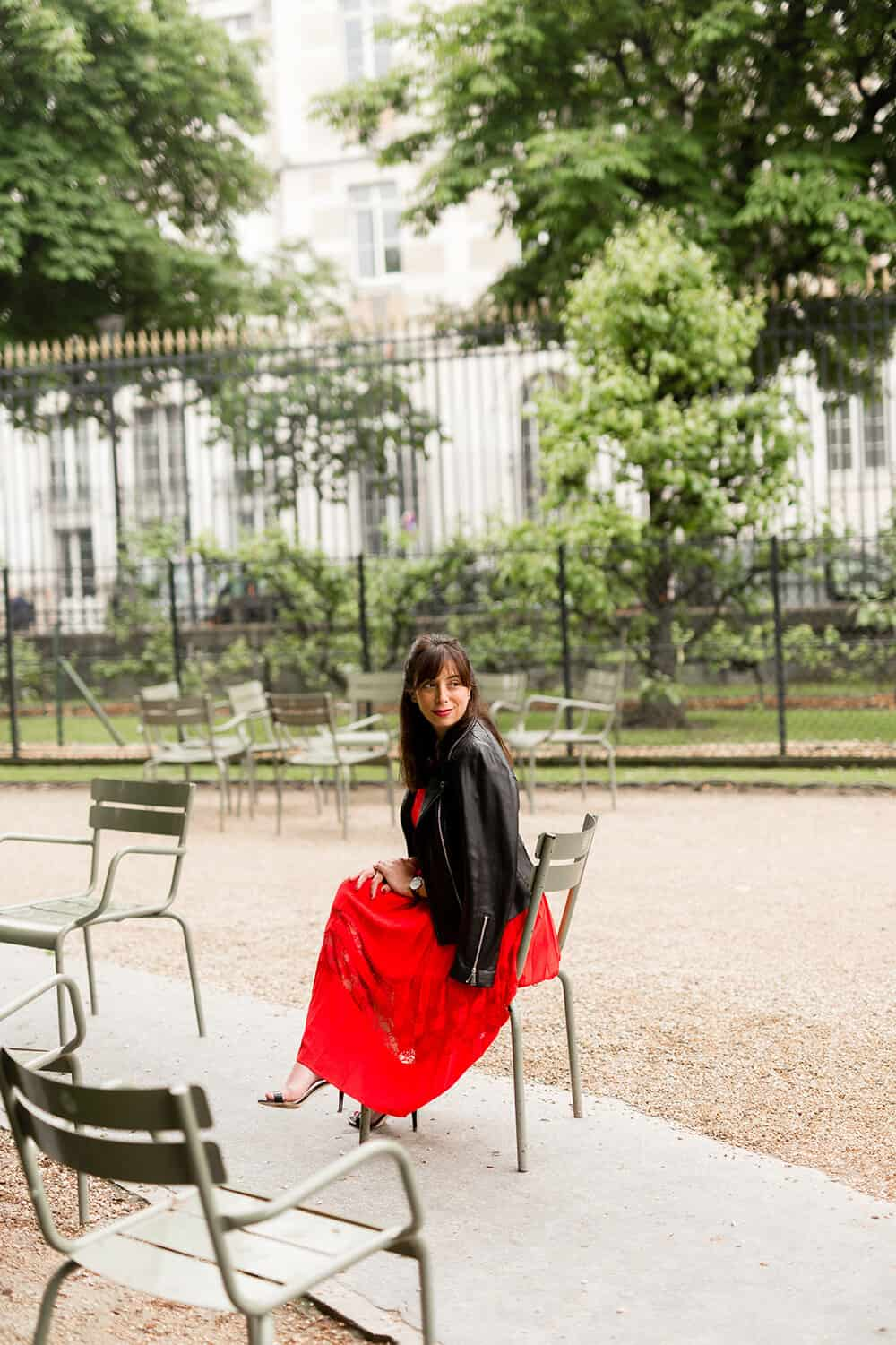 a walk through luxembourg gardens photo by Katie Donnelly Photography
