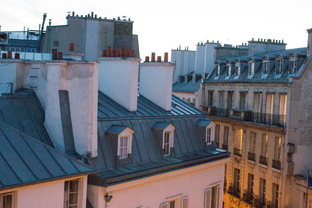 pavillon des lettres at dusk everyday parisien