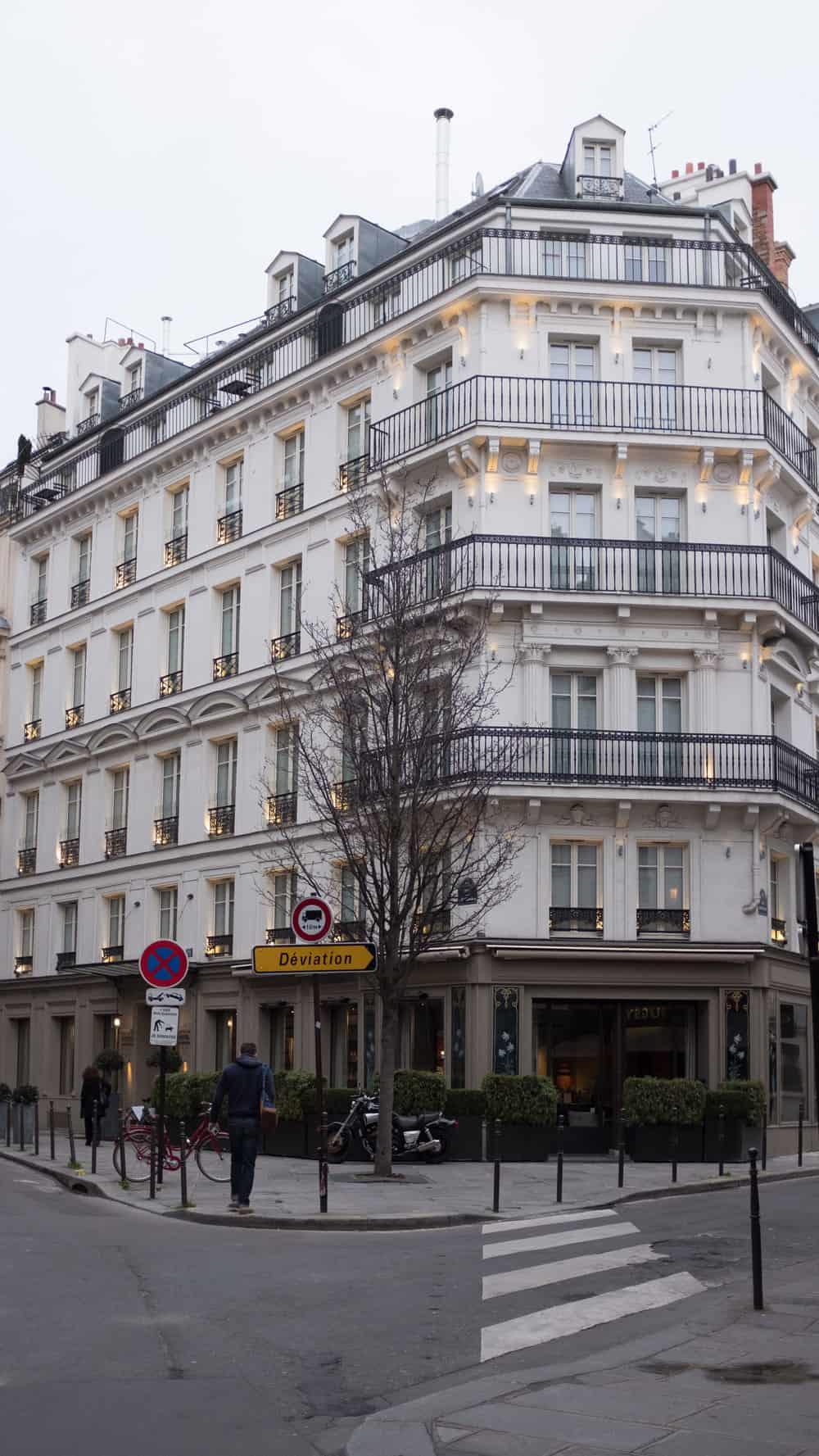 pavillon des lettres paris france