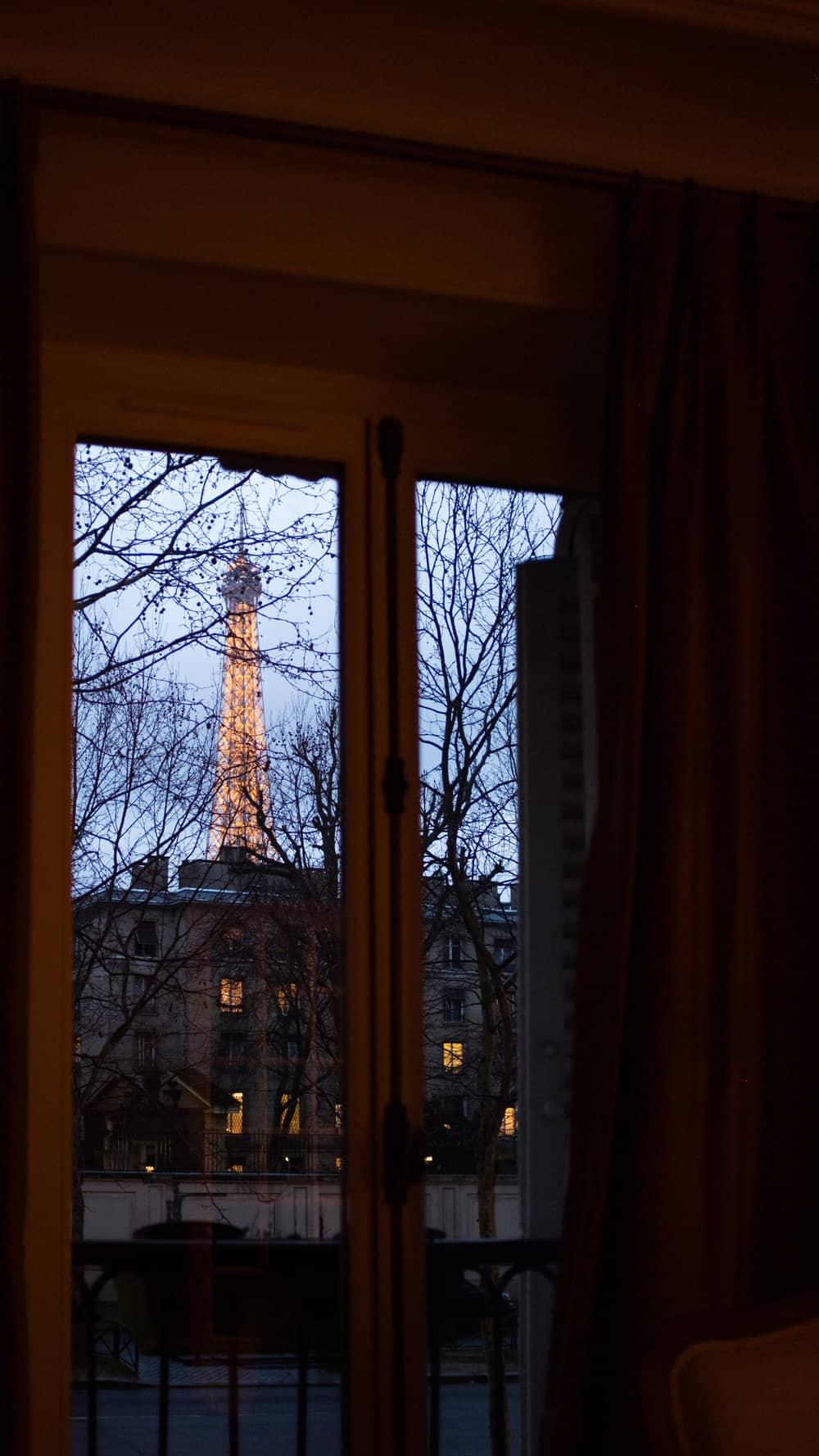 paris perfect eiffel tower at night