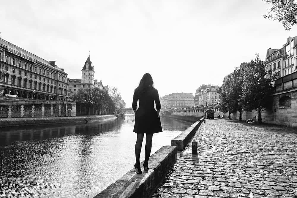 solo female travel to Paris photo by iheartparis