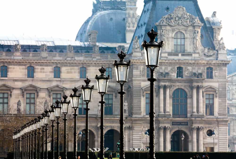 10 ways to save money on your next trip to paris