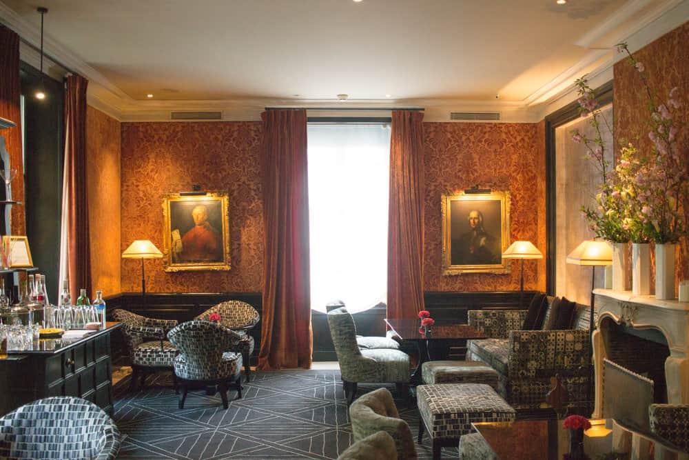 pavillon de la reine paris france hotel