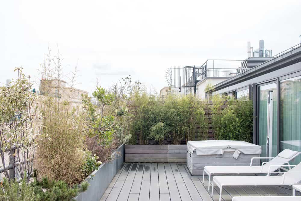 terrace view le cinq codet paris france