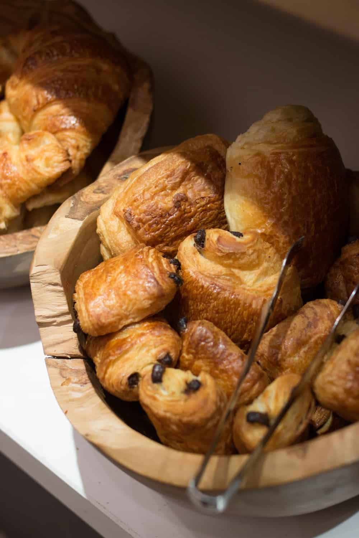 le cinq codet paris france brunch pastries