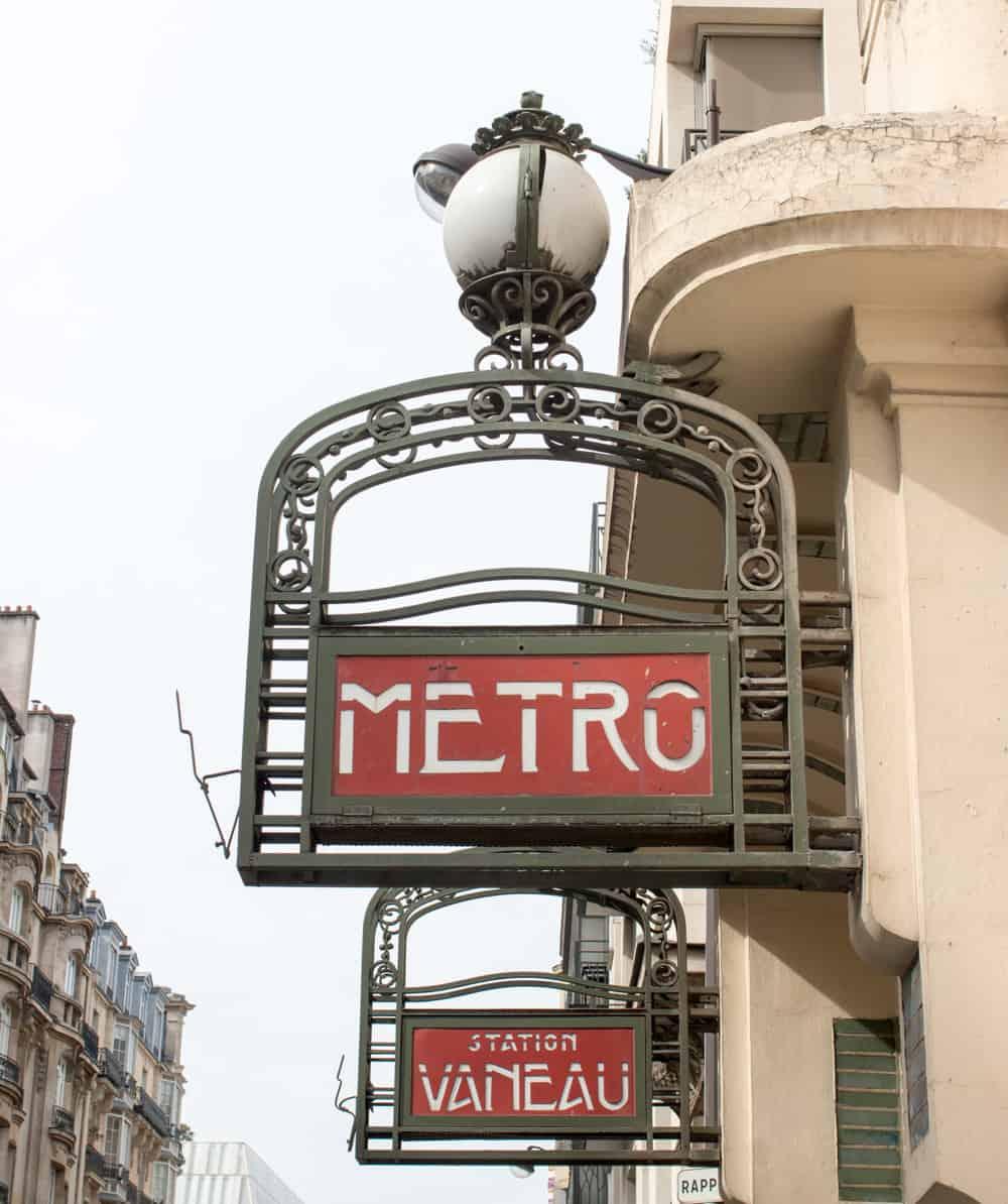 paris metro left bank