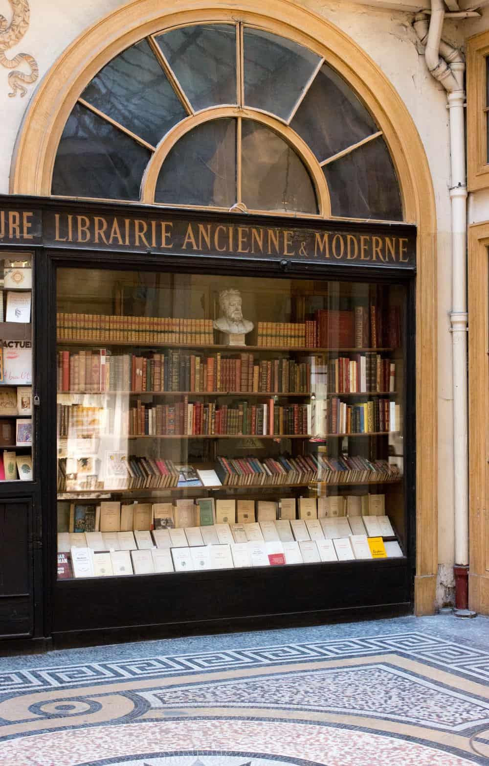 Shop Galerie de Vivienne Paris Bookshop Here