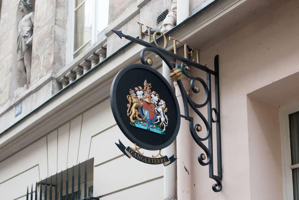 hemingway hotel paris