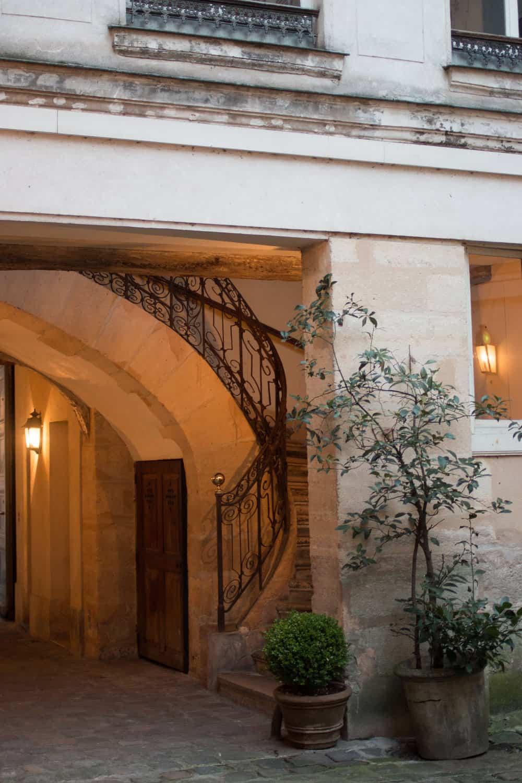 paris france courtyard