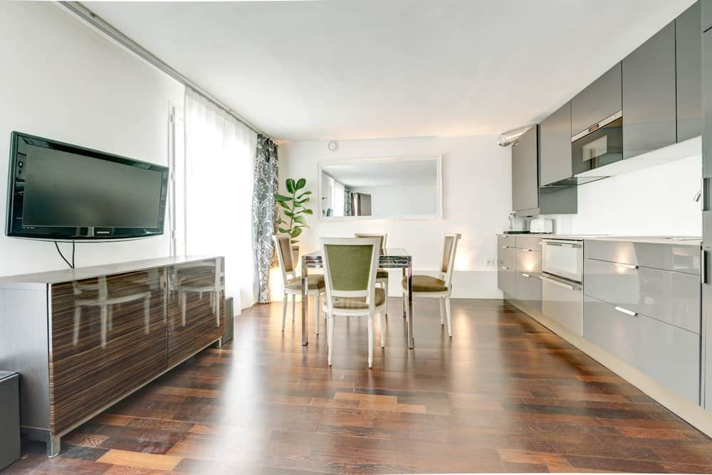 airbnb apartment canal st martin