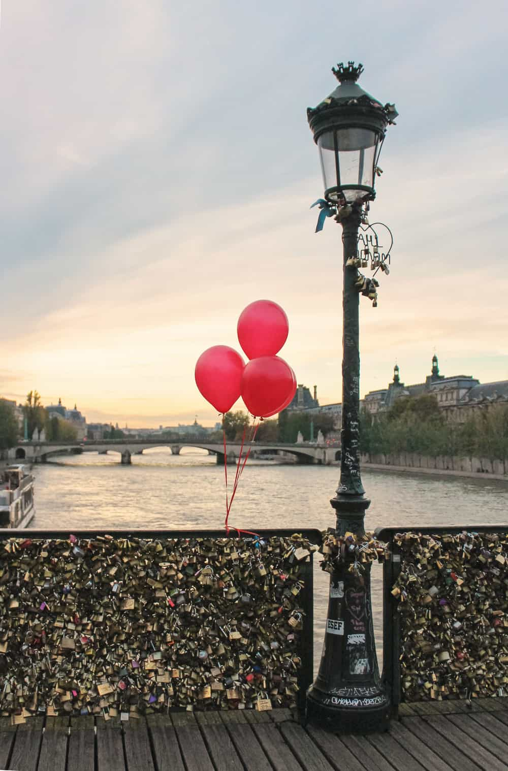 Red Balloons in Paris 12x18