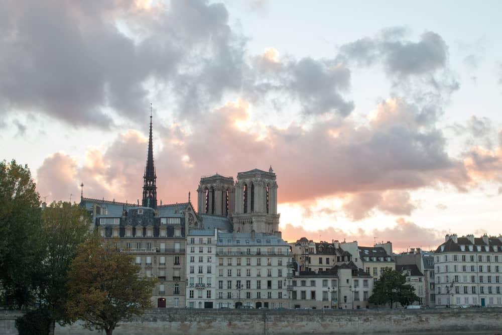 paris sunset seine @rebeccaplotnick