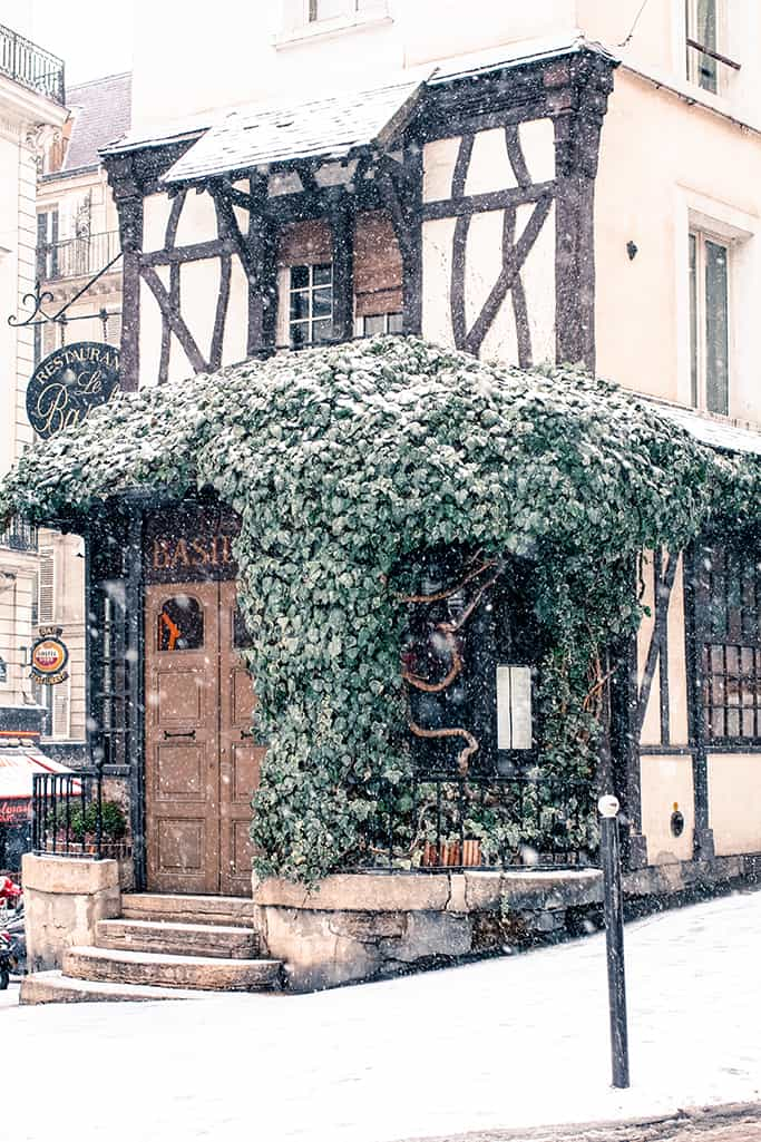 montmartre in the snow @rebeccaplotnick