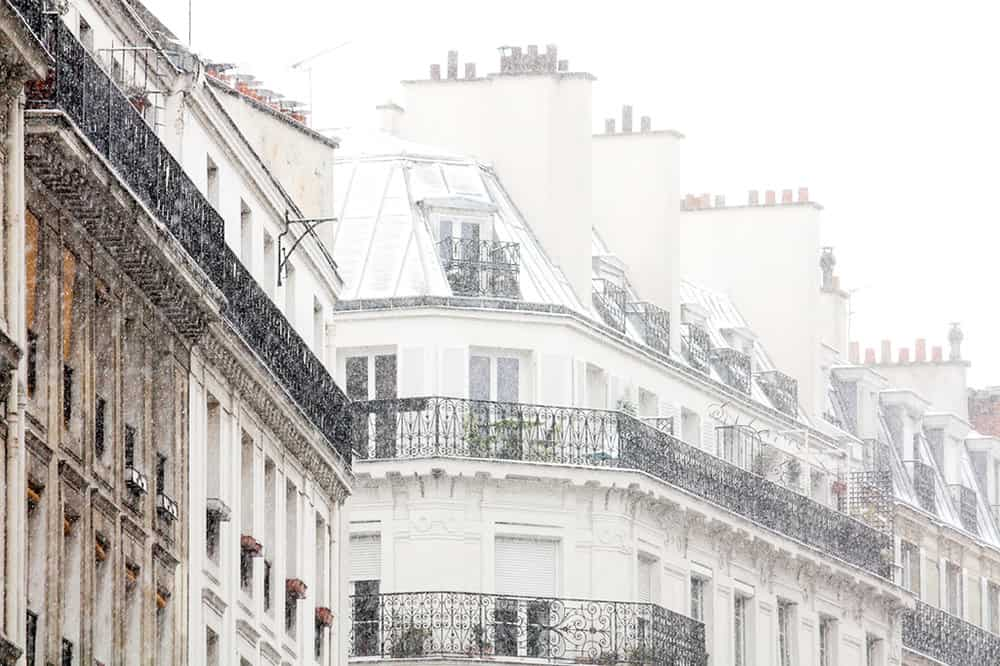 montmartre apartments in the snow