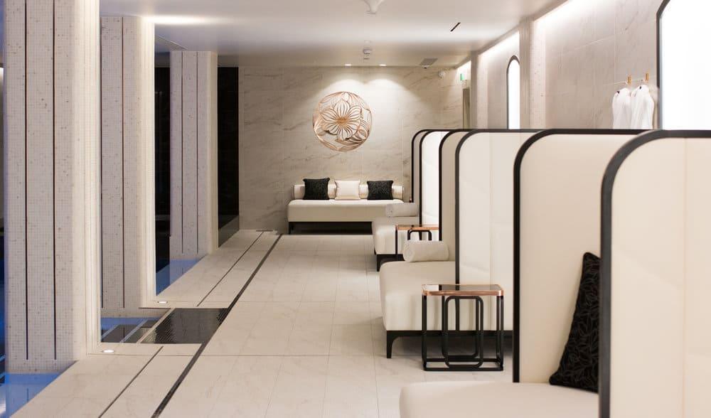 Le Narcisse Blanc Paris, France @rebeccaplotnick