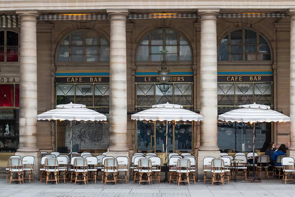 Essential Café Etiquette for Paris