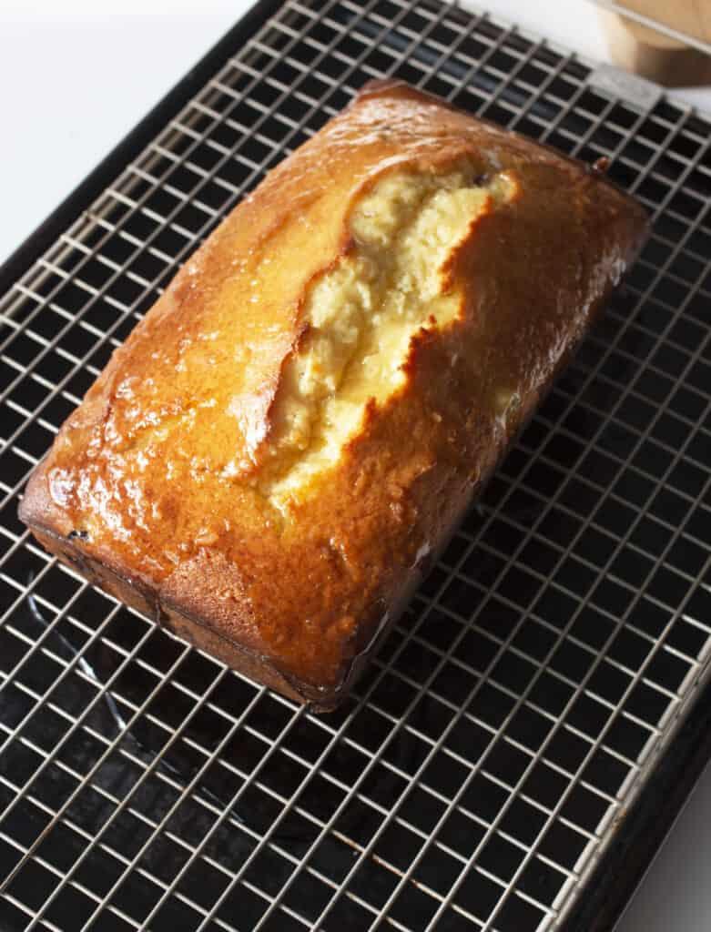 lemon yogurt cake loaf